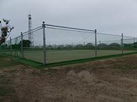 テニスコート外周防球ネット+防風ネット施工写真3