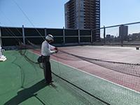 学校体育館屋上防球ネット 施工写真2
