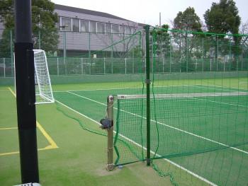 フットサル&テニス兼用コート人工芝工事 施工写真3