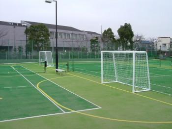 フットサル&テニス兼用コート人工芝工事 施工写真4