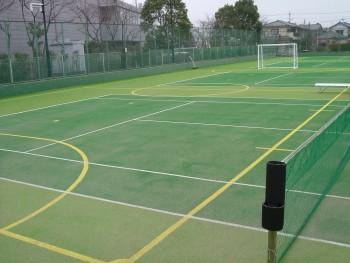 フットサル&テニス兼用コート人工芝工事 施工写真5