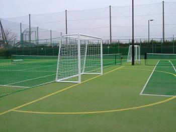 フットサル&テニス兼用コート人工芝工事 施工写真6